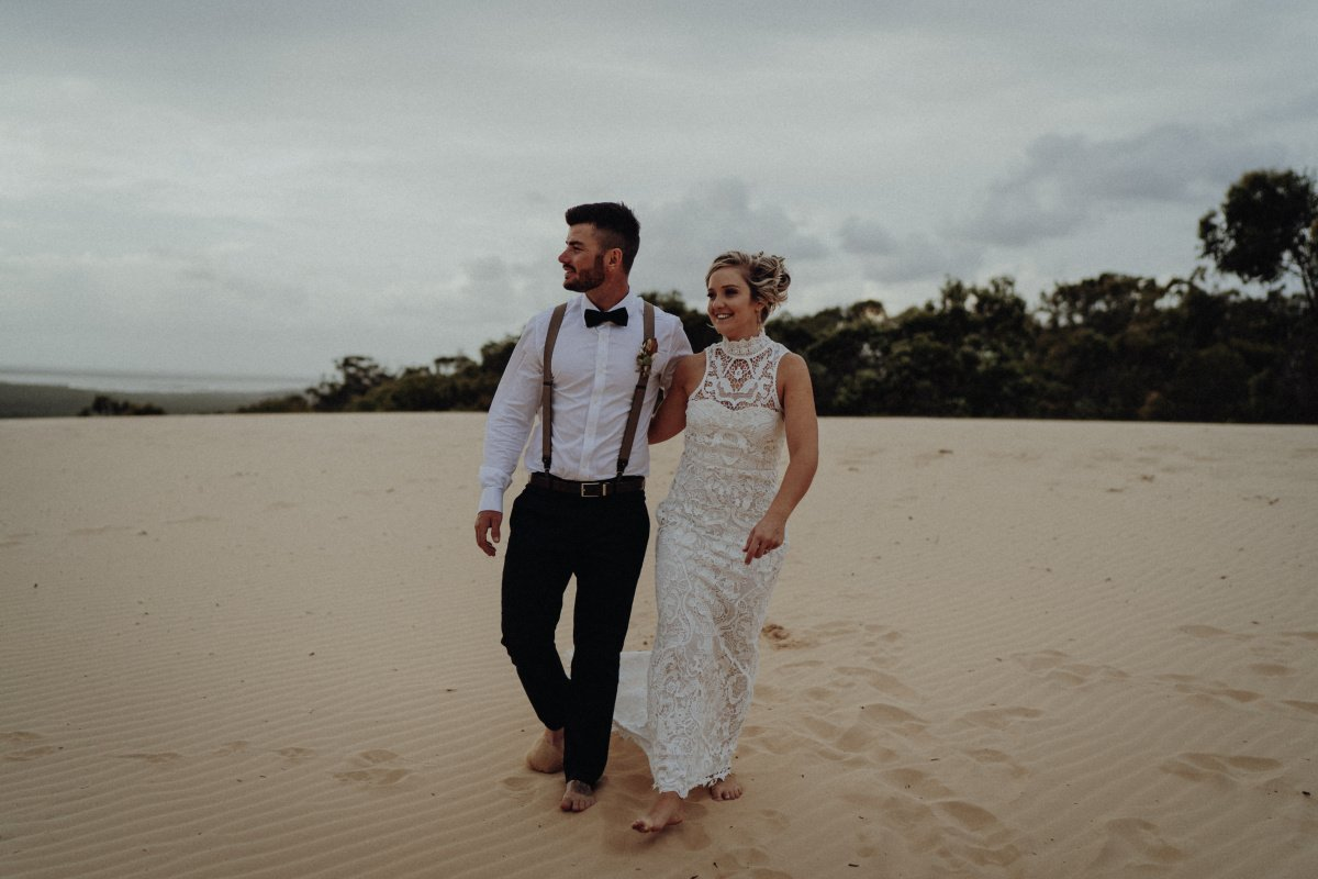 rainbow beach wedding photos tahnee oliver